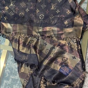 Louis Vuitton scarf. Double sided. Good condition.